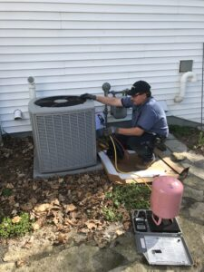 Robinson offers 24-hour air conditioner service in Green Bay